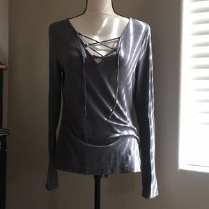 Gray long sleeve fitted top